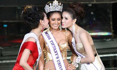 Khun Naetnapada 2 Tân hoa hậu chuyển giới Thái Lan 2013 đẹp rạng rỡ