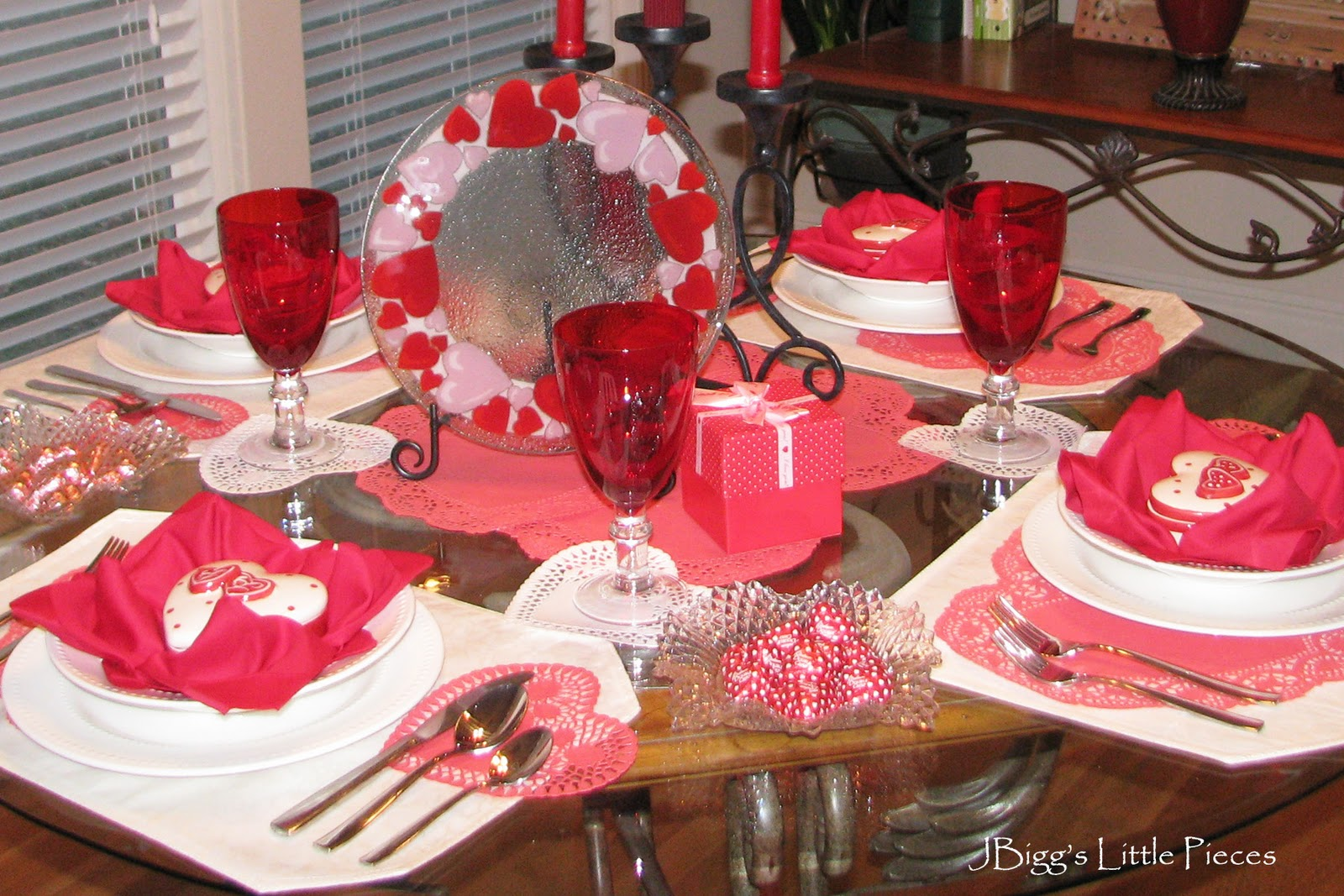 life in kentucky rose fold napkins on a red valentine tablescape