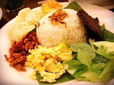 resep cara membuat nasi uduk