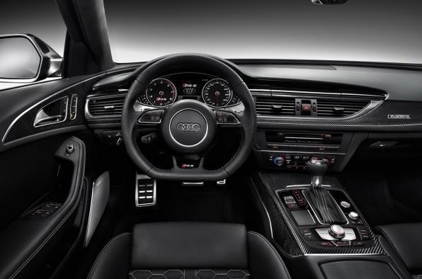 место водителя, руль и приборная панель Audi A6 RS6 2013