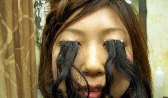Amazing Girl has longest eyelash. Wonder how she is going to see this ...