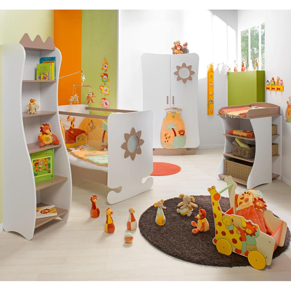 Dormitorios de beb alegres y coloridos ideas para - Muebles para habitacion de bebe ...