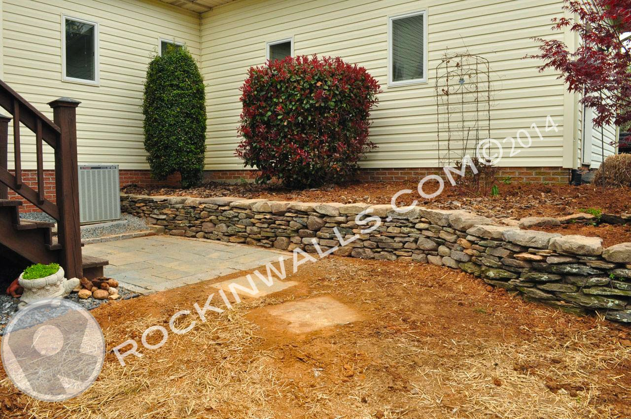 Dry Stack Fieldstone Retaining Wall : Rockin walls dry stone projects