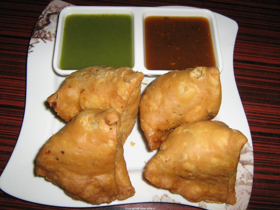 Samosa recipe how to make samosa just homemade recipe indian samosas real test comes when you eat it with emali chatuney samosa is easily can say just homemade recipe forumfinder Gallery