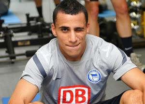 Linternational tunisien Anis Ben Hatira a inscrit un but avec le Hertha Berlin