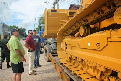 Llega maquinaria pesada para el departamento de Amazonas