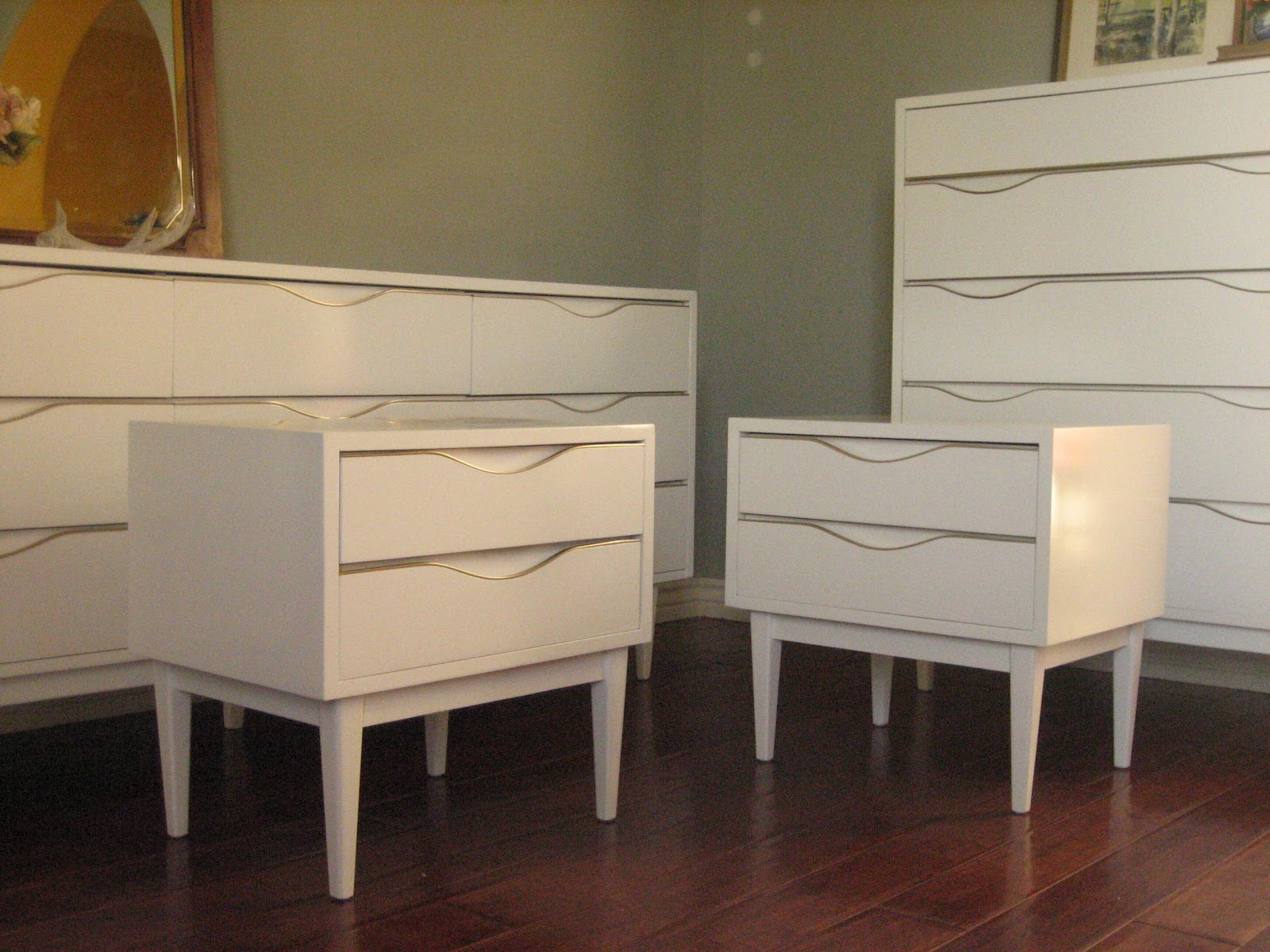 European Paint Finishes: Glossy White Dresser Set ~