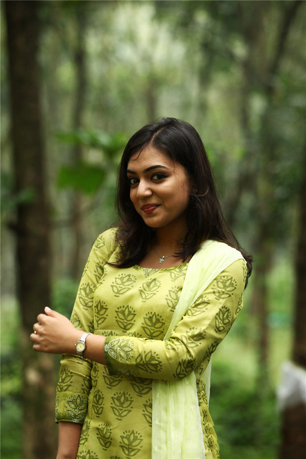 cute actress: nazriya nazim cute smile stills