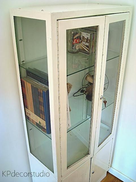 Comprar vitrina de doctor antigua años 50 para casas estilo vintage e industrial