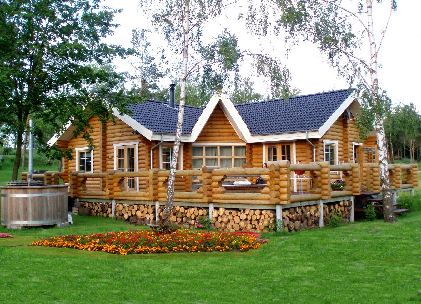 Beautiful Round Logs Wooden House