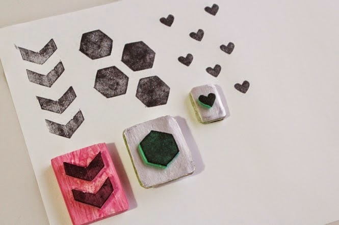 http://curlymade.blogspot.pt/2014/04/diy-stamps-with-hannah.html