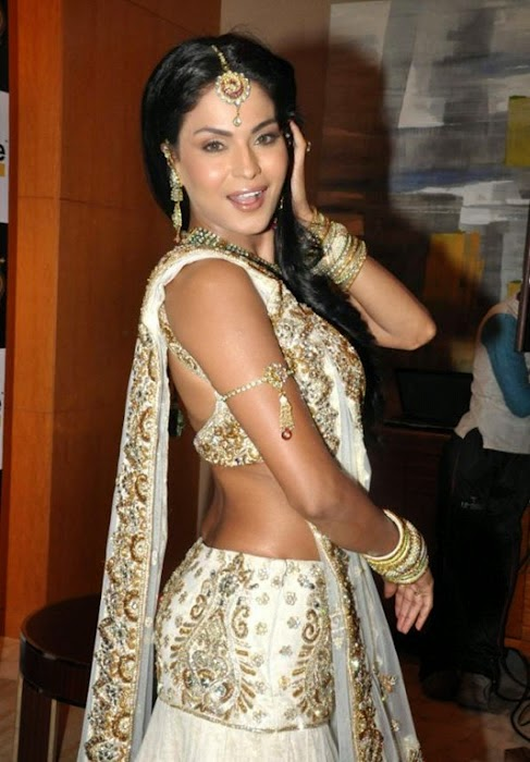 Veena Malik At Swayamvar Season Photos in saree free
