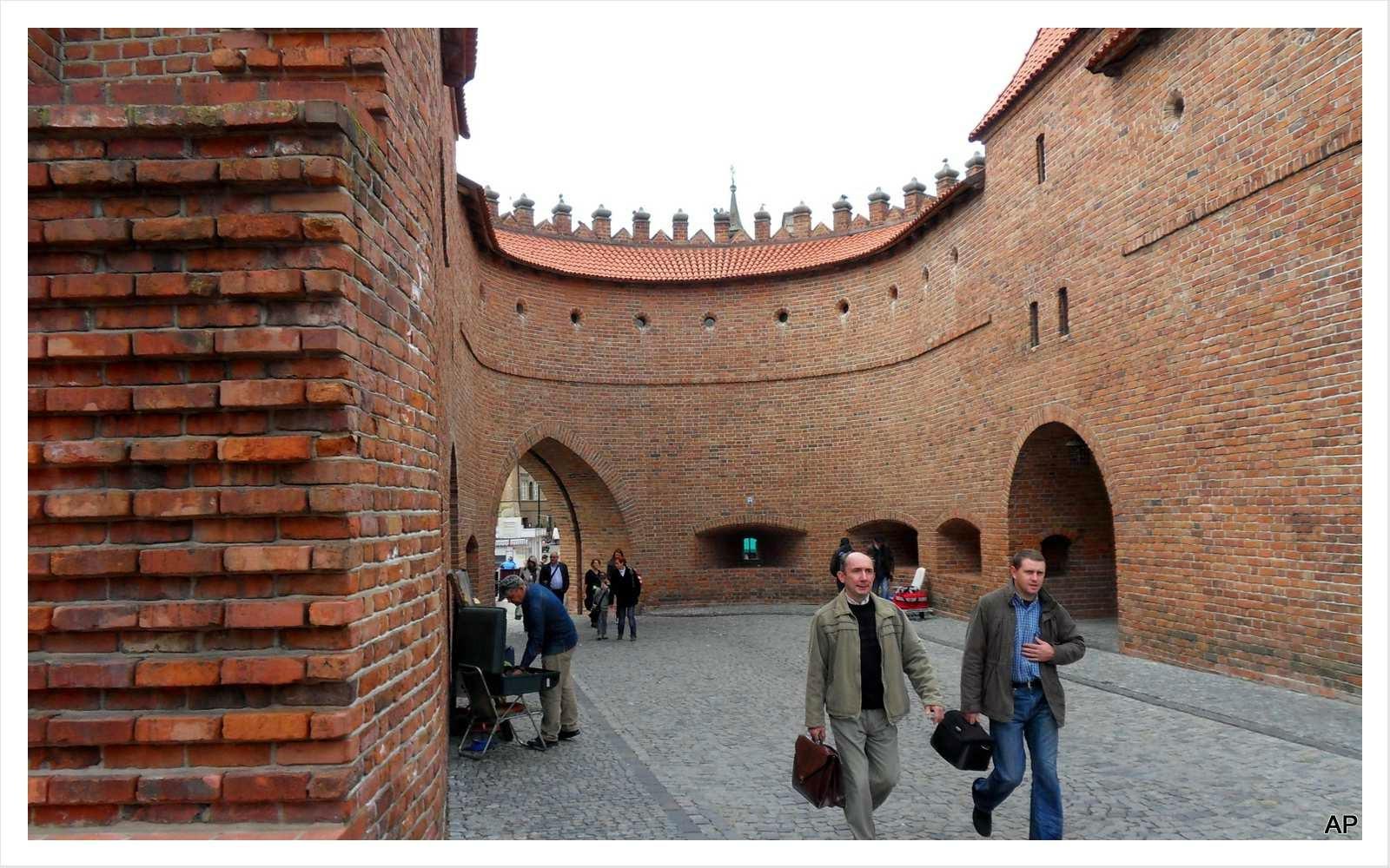 Barbakane - Übergang von der Altstadt zur Neustadt