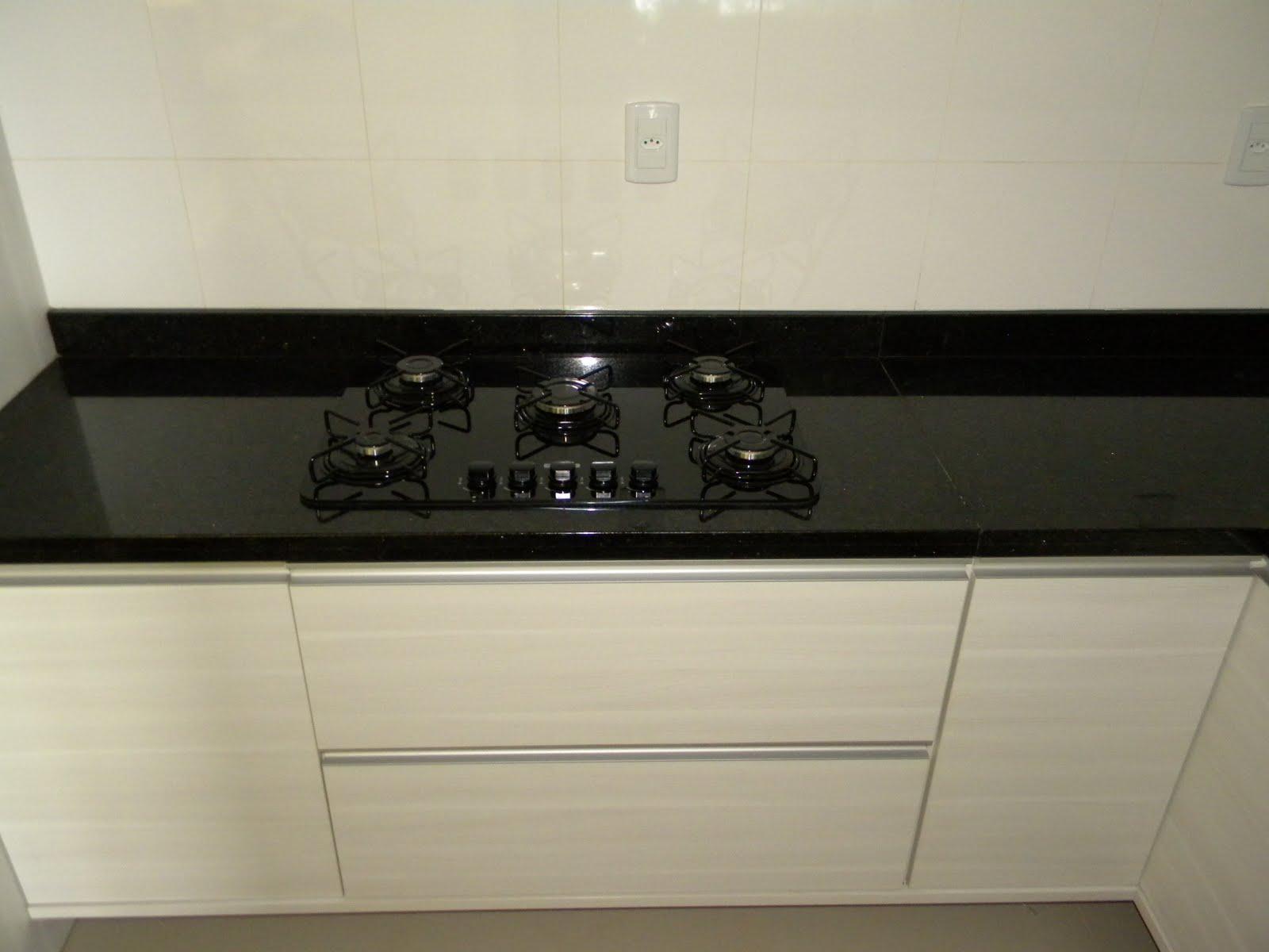 Cozinha de granito Preto São Gabriel Marmoraria MPK #7B7450 1600x1200 Banheiro Com Bancada De Granito Preto