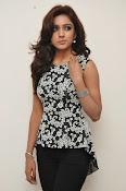 Vithika sheru latest glam pics-thumbnail-15