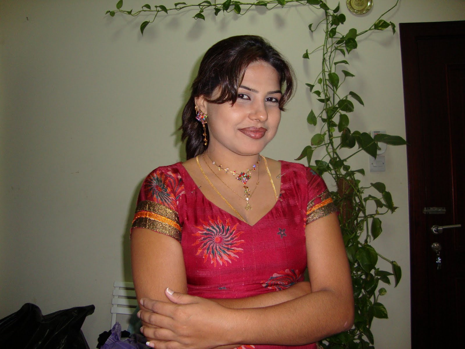 Hot aunty photos women dislike