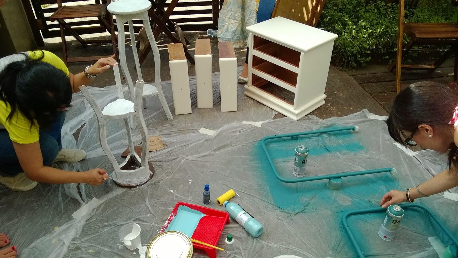 preparando a superfície da madeira - oficina Mão na Massa - blog Casa de Colorir