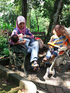 saya breastfeeding mommy