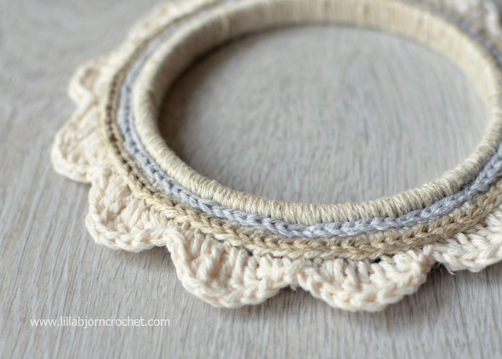 Crochet around embroidery hoop tutorial lillabjörn s