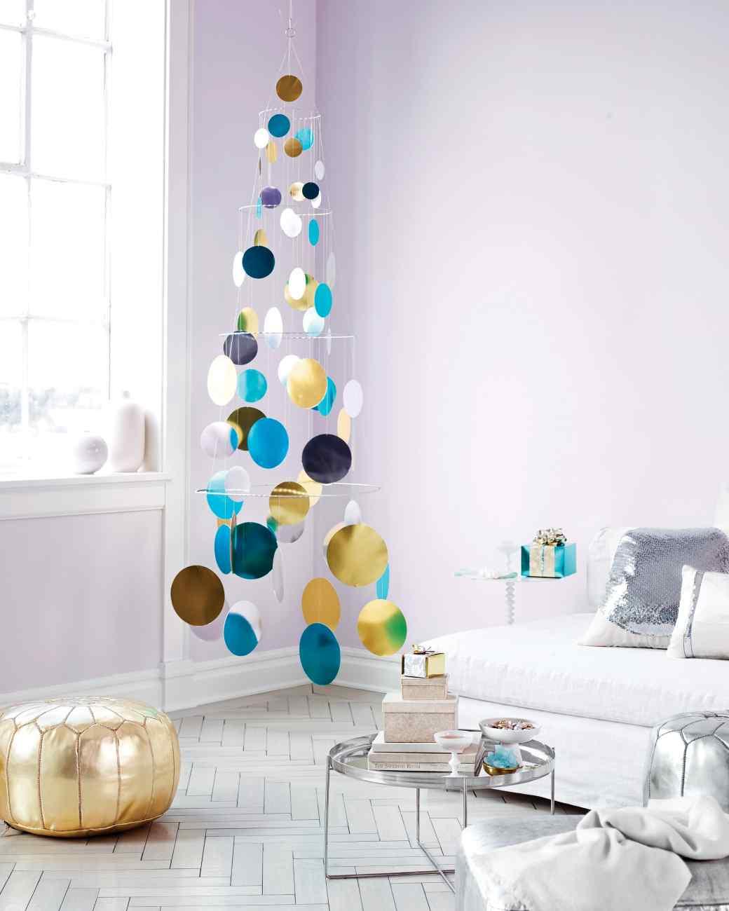 http://www.marthastewart.com/907242/metallic-foil-paillette-tree-mobile
