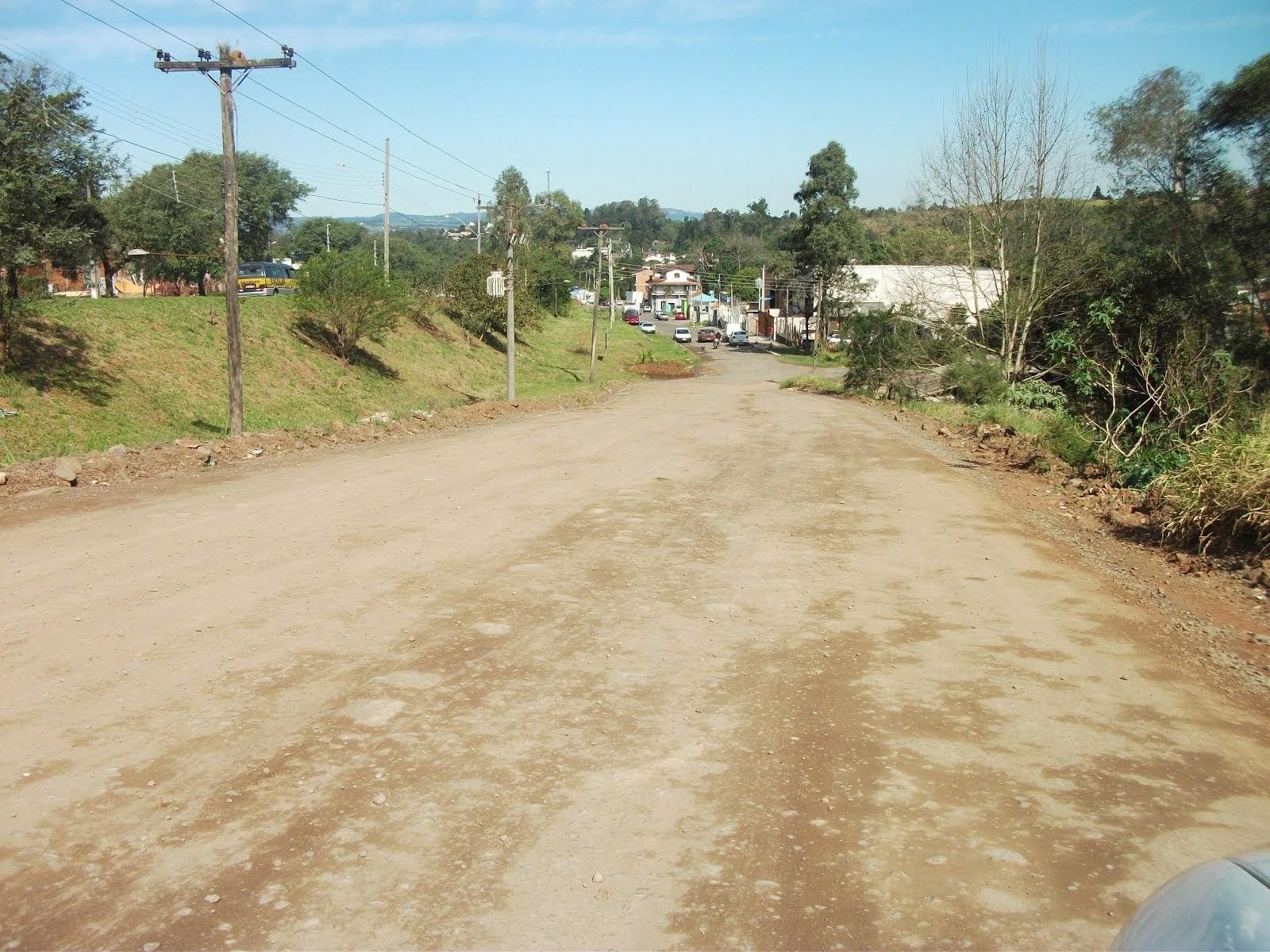VEREADOR JAIR WINGERT PEDE ASFALTO  NO RIO BRANCO