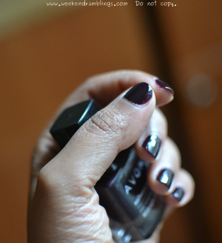 Avon Nailwear Pro Enamel Polish Midnight Plum NOTD Review Swatches Indian Beauty makeup blog