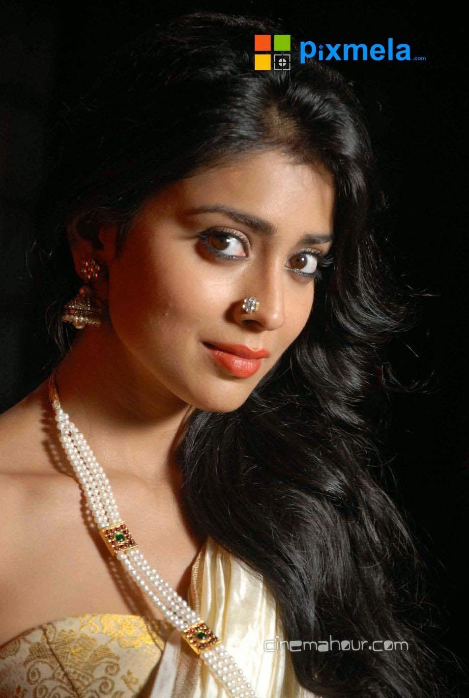 Shriya+Saran004