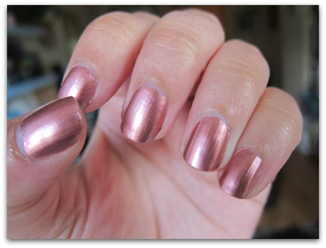 Estee Lauder Rose Gold Pure Color Vivid Shine Nail Lacquer