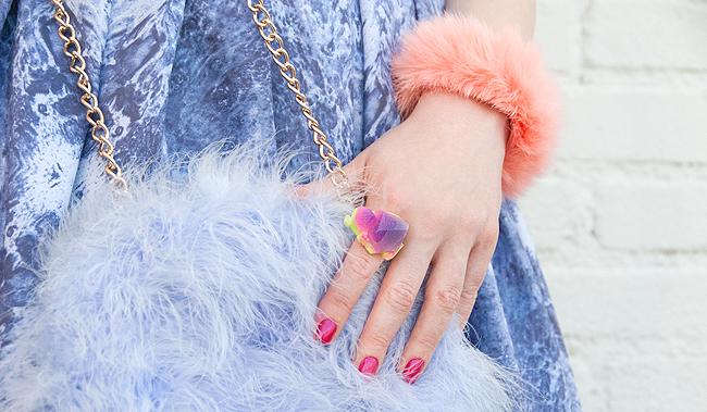 fluffy bag, pastel look, blogger fashion