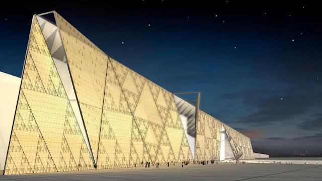Сокровища Тутанхамона перевозят в Гизу