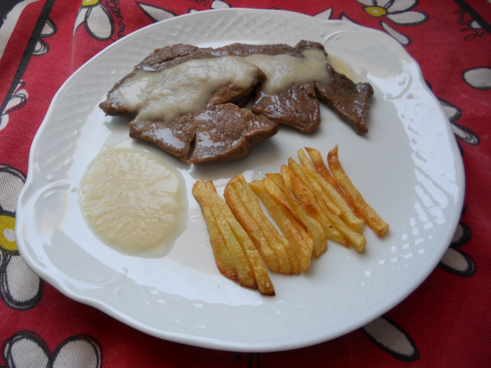 Cocinando con maru filetes de ternera con salsa de cebolla - Filetes de ternera en salsa de cebolla ...