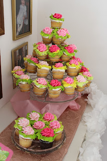 cupcakes inspired by the hotty pink first