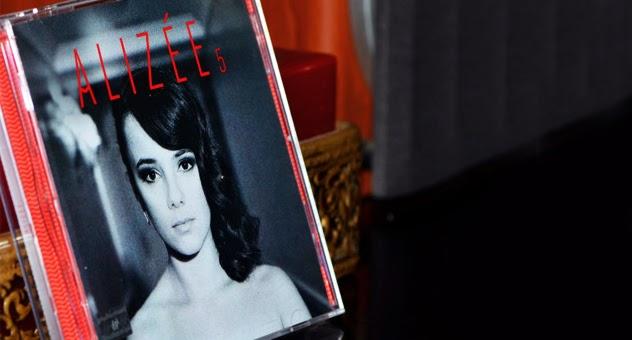 5, el disco del fraude francés Alizée | Ximinia