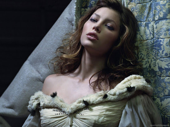 Model and Actress Jessica Biel Latest Wallpaper