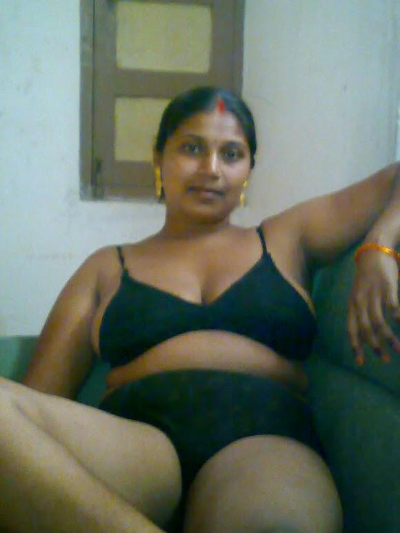 hindu boudi blowjob scandal MMS