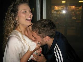 men kiss women breastfeedingmen