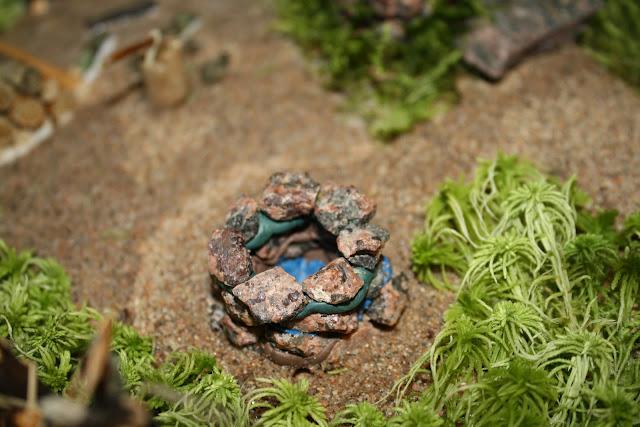 Поделка из камней и песка 990