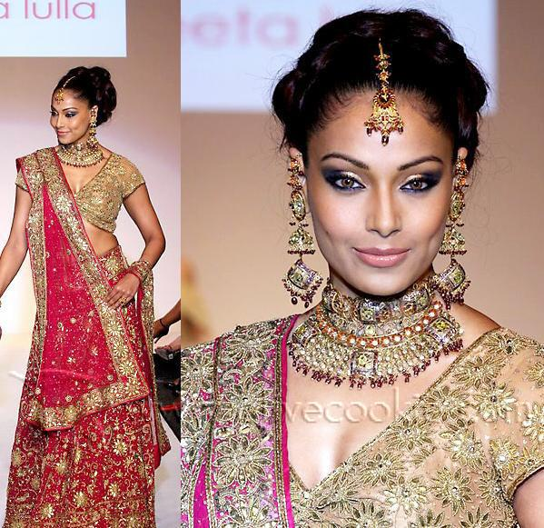Bridal Lehengas Pics |The Bridal Club Is All About Bridal: thebridalclub.blogspot.com/2011/09/bridal-lehengas-pics.html