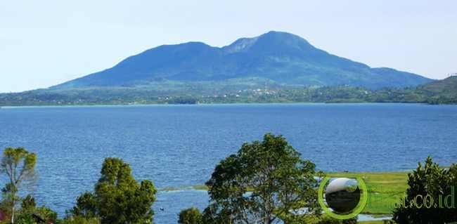 3. Objek Wisata Danau Atas Bawah Sumatera Barat