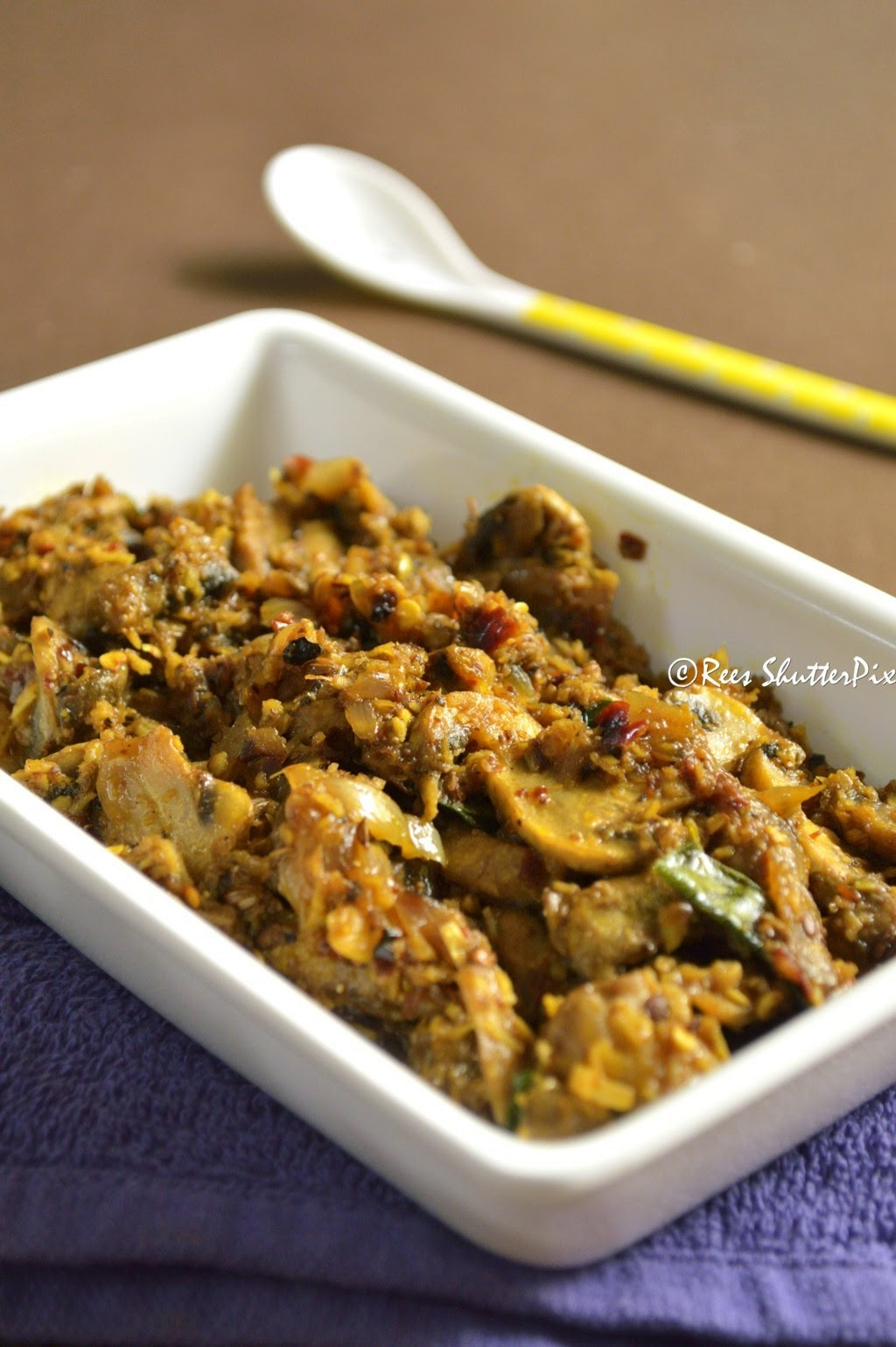spicy mushroom sukka recipe, easy mushroom sukka recipe, mushroom sukka,easy mushroom recipes, vikas khanna recipe, fitfoodie vikas khanna mushroom recipe, dry mushroom sukka recipe, step by step picture mushroom recipe, mushroom dry recipe, mushroom recipes for chapathi,roti or rice,