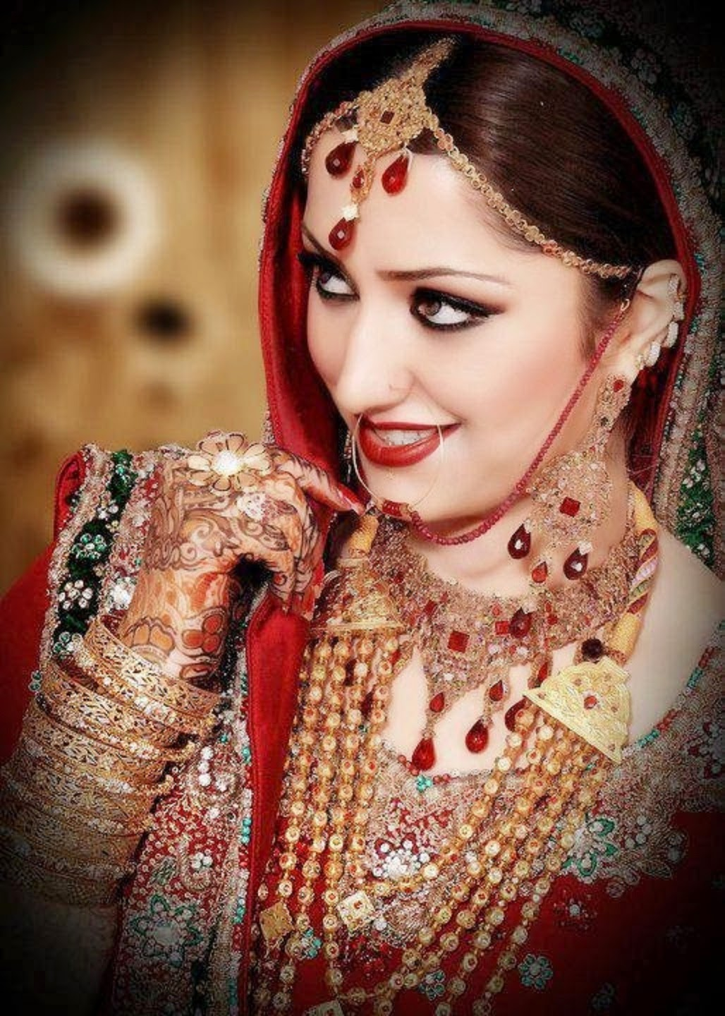 New Latest Wedding Jewelry & Make up Wallpapers Free Download