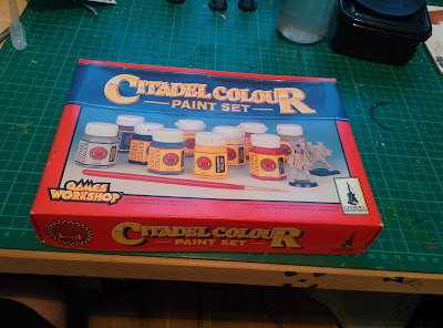 Citadel Colour Paint Set 1994 - Front Closed