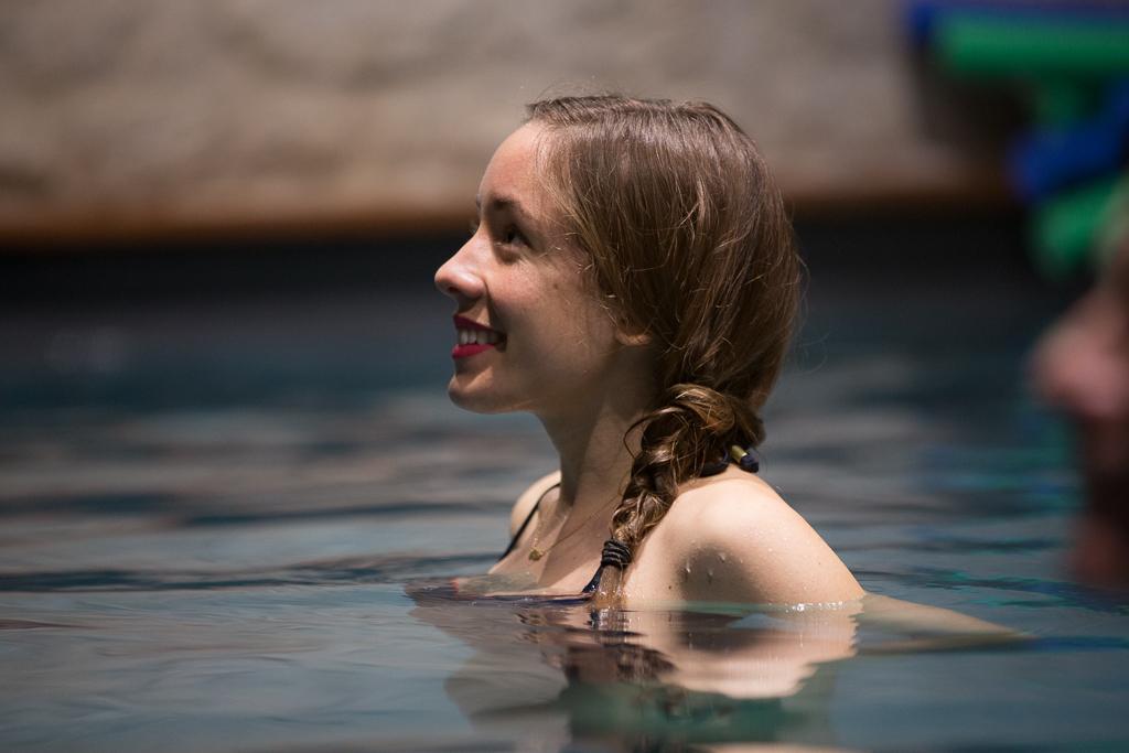 Coiffure pour la piscine