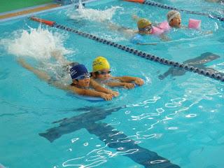 Berenang Bisa Menambah Tinggi Badan