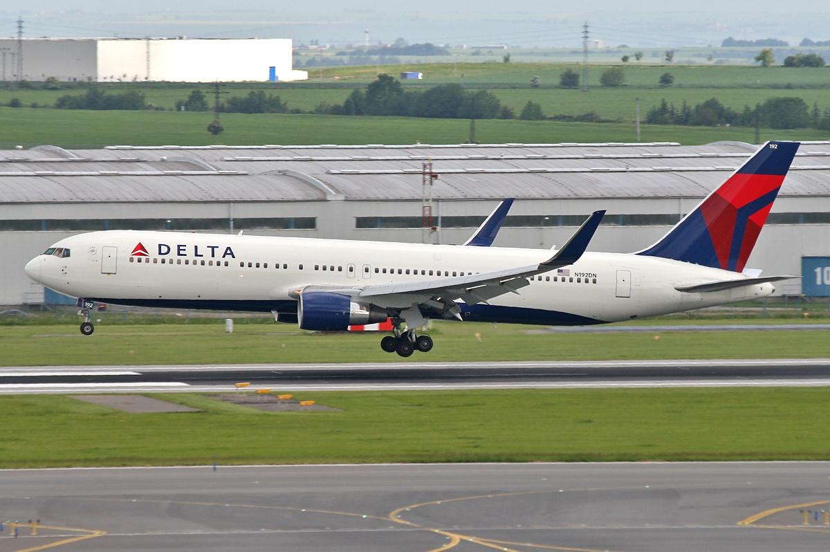 http://2.bp.blogspot.com/-P0cnUOlTUF0/T7iGozHDAxI/AAAAAAAAIK8/FFQuIXgWuxo/s1600/boeing_767-300_delta_airlines.jpg