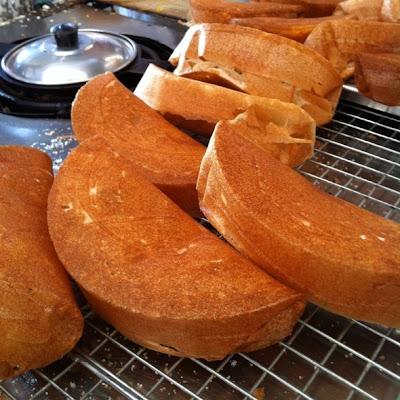 ขนมถังแตก_もち米の粉で作った団子_Poorman's Pancakes