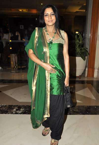 Actresses.Co: Roopa Ganguly - Hot Photo collection of