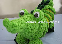 http://www.donnascrochetdesigns.com/slinky/alligator-free-crochet-pattern.html