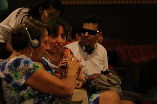 Festival VerOuvindo: audiodescritores serão premiados durante a programação, que tem Baile Perfumado como destaque da programação