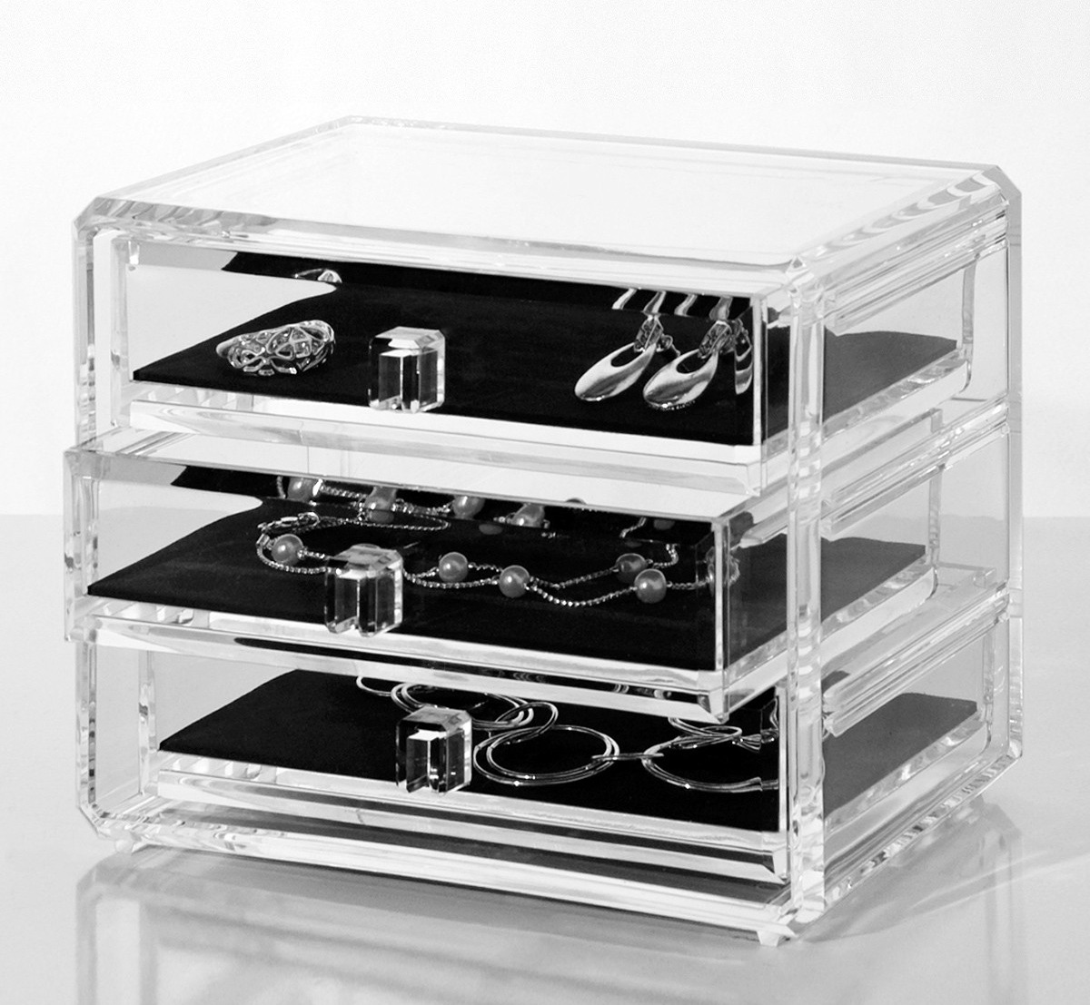 If you've been wanting to get your makeup/vanity organized (like me) then  this is your chance to find great quality storage organizers at  unbelievable ... - Glitz Glam Budget - A Budget Friendly Beauty Blog: Affordable
